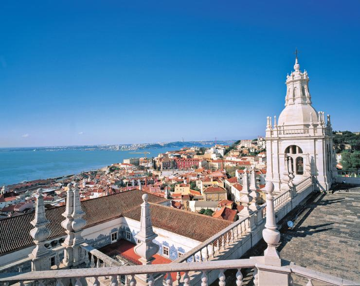 An image of the city of Lisbon, on a sunny day